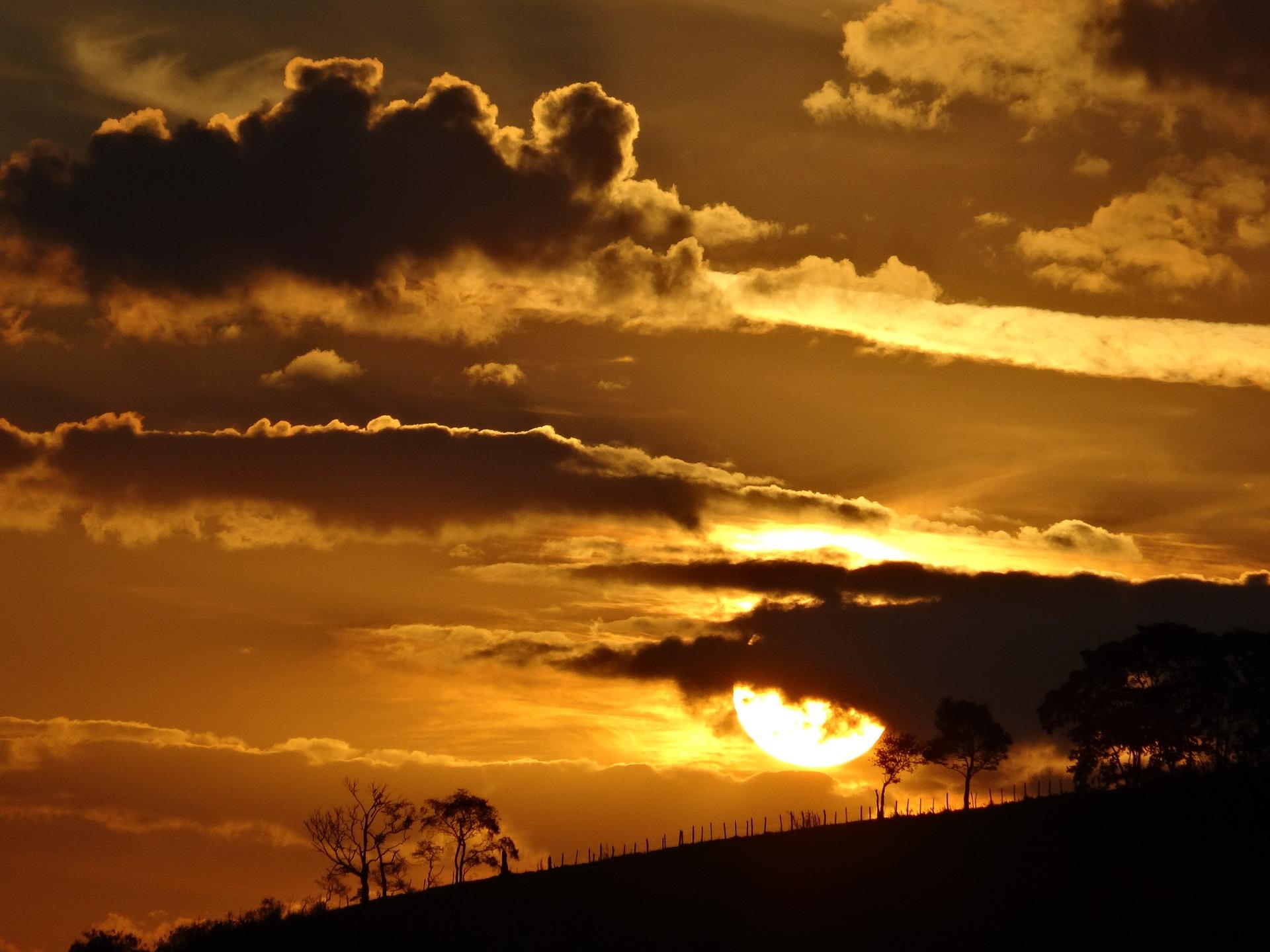 sunset-369498_1920