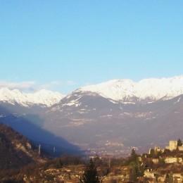 panorama_castello_di_breno_e_gruppo_delladamello_foto_luca_giarelli-1