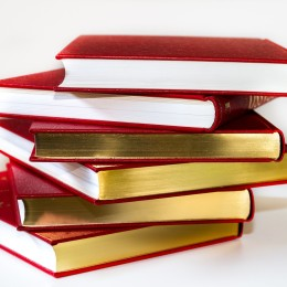books-3083451_1920